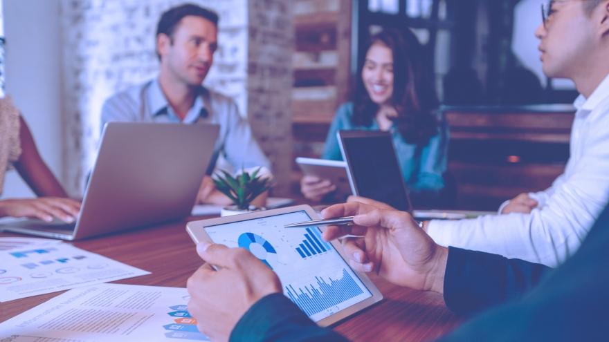Reunião de equipe para definição de um plano de negócios