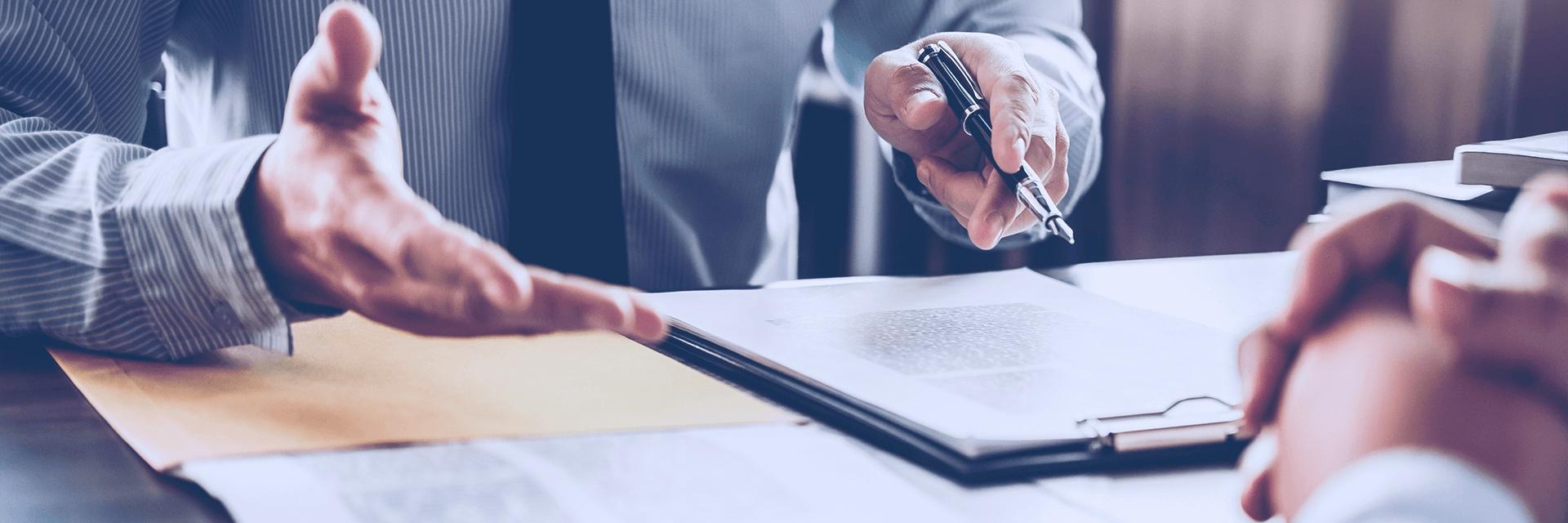 Entenda como o Artigo 393 protege empresas de eventos de força maior
