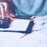 As contas básicas do mês não cabem no seu orçamento? Confira dicas para economizar